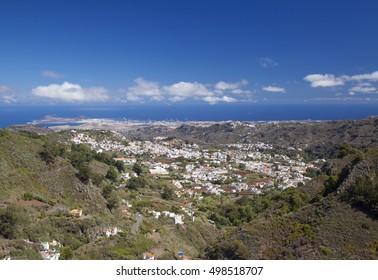 Gran Canaria, hiking path Cruz de Tejeda - Teror, view towards historic town Teror from viewpoint Balcon de Zamora