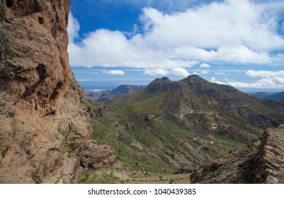 Gran Canaria, Las Cumbres, view towards Cruz Grande from a hiking path