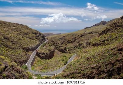 Gran Canaria, May, hiking route Temisas - Aguimes, view towards ocean along Barranco Hondo valley