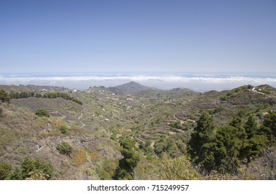 Gran Canaria, September, calima,  dusty air brought by prevailing winds from Africa, blankets the island, view from the high central areas towards Las Palmas