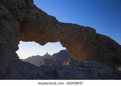 Gran Canaria,  stone arch La Ventana del Nublo, Window of the Cloud Rock, low evening light