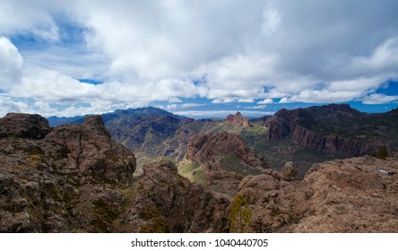 Gran Canaria, view west from a hiking path towards Teide on Tenerife; north slope of Teide still has snow