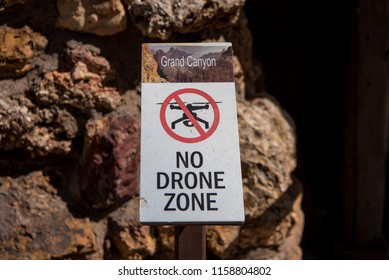 Grand Canyon, United States: No Drone Zone Sign Warns Hikers not to use the flying equipment