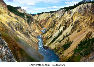 The Grand Canyon of Yellow Stone | Yellow Stone National Park | Wyoming
