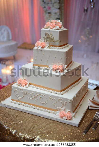 Grand Four Floor Wedding Cake Indian Stock Photo Edit Now 1236483355