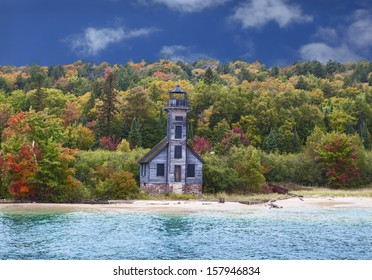 Grand Island East Channel Lighthouse on the way to Pictured Rocks