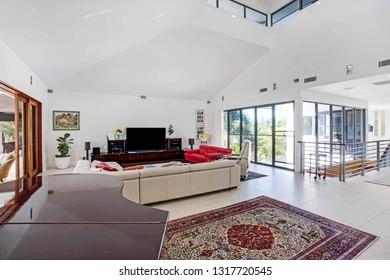 grand living quarters