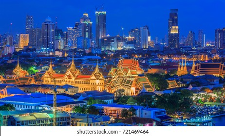 Grand palace and Wat phra keaw beautiful traditional culture ancient building construction architecture in Asian sunset, Landmark tourist travel destination in Bangkok City, Bangkok, Thailand, Asia.