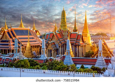 Grand palace and Wat phra keaw at sunset at Bangkok, Thailand