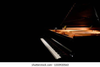 Grand piano, black piano , studio piano, Yamaha, classical music, stage