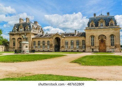 Grand Stables (architect Jean Aubert). The Chateau de Chantilly (Chantilly Castle, 1560), is a historic chateau located in town of Chantilly, Oise, Picardie, France.