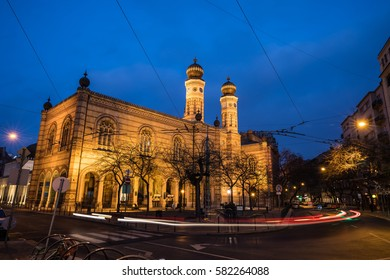 Grand Synagogue of Budapest in the evening