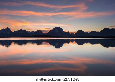 Grand Teton mountain  range, Jackson Lake, Grand Teton National Park, Wyoming, USA