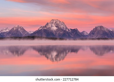 Grand Teton mountain  range, Jackson Lake, Grand Teton National Park, USA