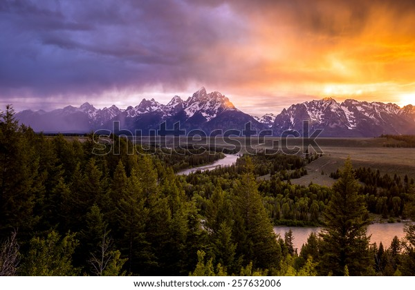 Grand Teton National Park at Snake River overlook sunset