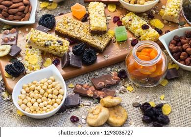 Granola bars and dried fruits