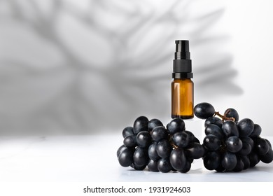 Grape Seed Oil. Pure, Natural, Cold Pressed, Unscented, Vegan, Hexane Free, No GMO. Ideal for Aromatherapy, Massage Base Oil, Natural Moisturiser and Conditioner for Hair and Skin