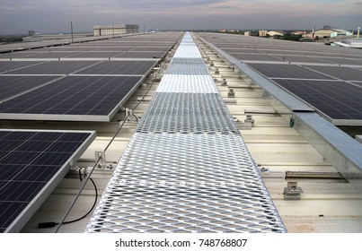 Grating Walkway Solar PV Rooftop System