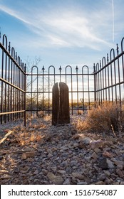Grave in the abandoned little Town Rhyolite 01