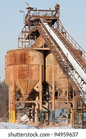 Gravel pit, Belt conveyors and silos in winter