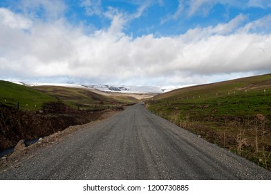 The gravel road that leads to the Dalles Mountain Ranch in southern Washington State.