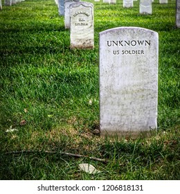 The graves of Unknown US Soldiers