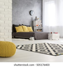 Gray and yellow bedroom design - modern interior