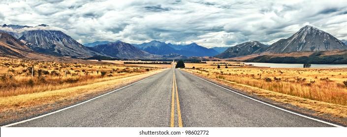 Great Alpine highway.  Arthurs Pass. New Zealand
