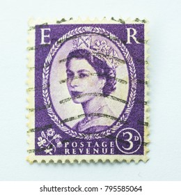 Great Britain - CIRCA 1952 - Vintage british Commonwealth 3d predecimal stamp features Queen Elizabeth II