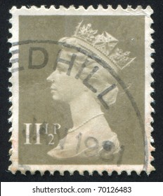 GREAT BRITAIN - CIRCA 1982: stamp printed by Great Britain, shows queen Elizabeth II, circa 1982