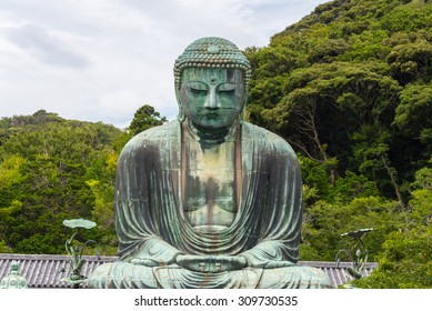 great buddha in kotoku-in temple in daytime