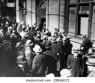 The Great Depression Men on the street during a bank run