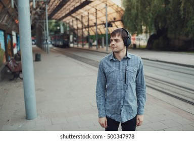 great guy waiting for his sweetheart