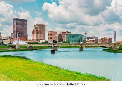 The Great Miami River runs through a river walk area in the River Scape of the Five Rivers Metro parks area of Dayton, Ohio, USA.
