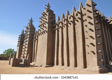 Great mud mosque in Djenne
