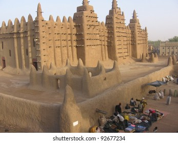 The great mud mosque at Djenne, Mali, Africa, largest mud building in the world