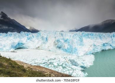 Great Perito Moreno Glacier, Argentino Lake, Patagonia, Argentina