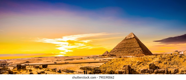 Great Pyramid of Giza Images, Stock Photos & Vectors