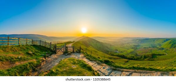 The Great Ridge panorama at sunrise - Mam Tor hill in Peak District