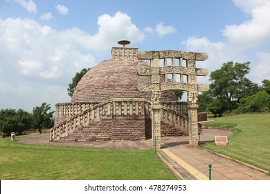 The Great Sanchi Stupa at Sanchi, India.