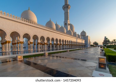 great Sheikh Zayed Grand Mosque in Abu Dhabi