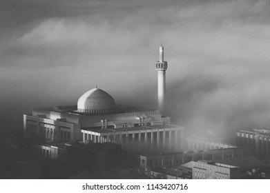 A great shot of the Grand Mosque in Kuwait city