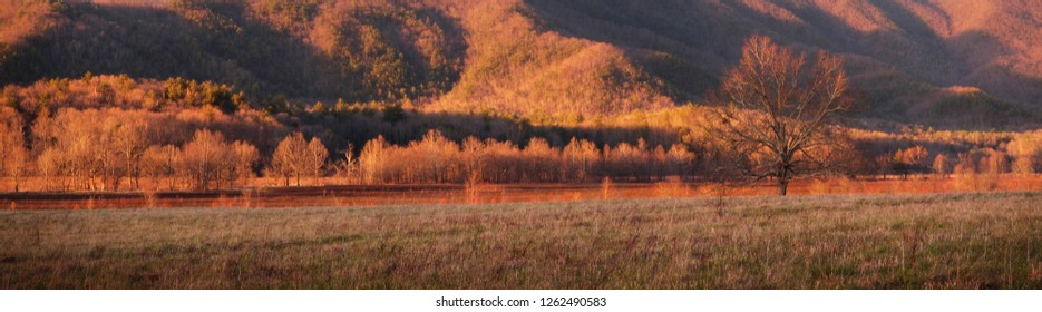 Great Smoky Mountains National Park in Autumn Panorama, Cades Cove