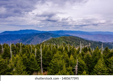Great Smoky Mountains National Park is an American national park and a UNESCO World Heritage Site.Tennessee and North Carolina State of US.