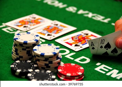 What does check mean in texas holdem poker