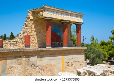 Greece, Crete, Heraklion.  Knossos ruins, ceremonial and political centre of the tsar Minos. Archaeological site connected with legends of Daedalus, Minotaur, Ariadne and Icarus
