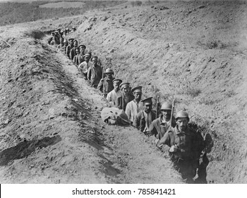 Greek soldiers escorting Bulgarian prisoners in 1918 during WW1. Greece entered the war against the Central Powers in 1917. This image is possibly of the Battle of Skra-di-Legen, the Greeks defeated B