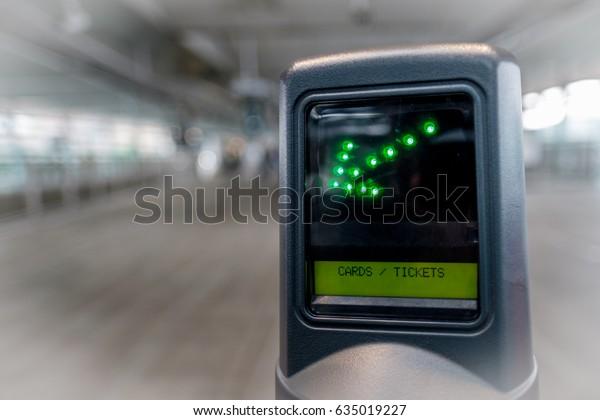 Green Arrow Display on Platform Entrance