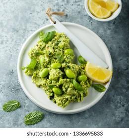 Green bean hummus