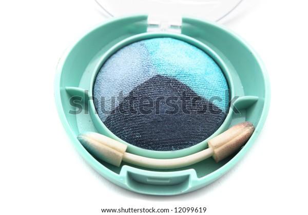 Green and blue eye-shadows